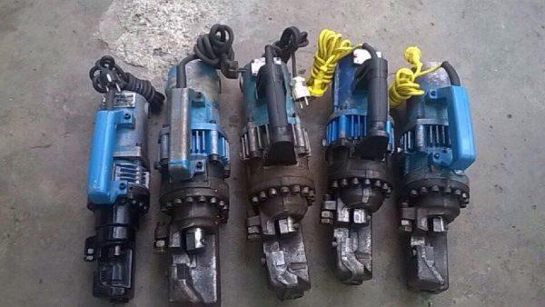 thuê máy cắt sắt thủy lực