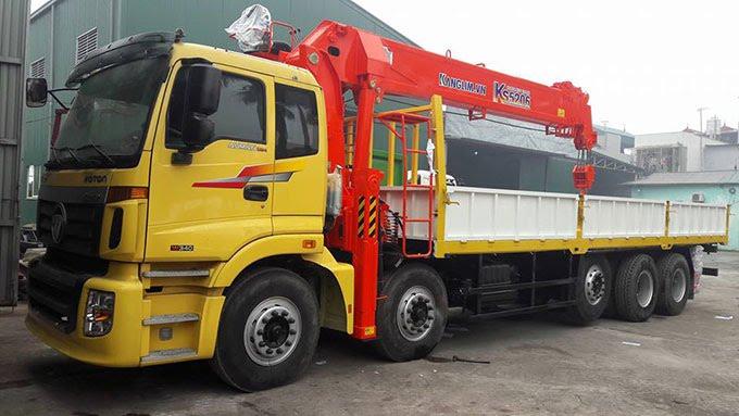 Thuê xe tải cẩu tại TPHCM